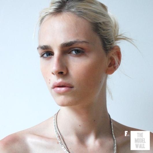 Andrej Pejic modelo con rasgos femeninos