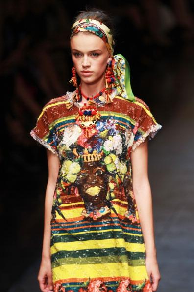 vestido étnico de D&G
