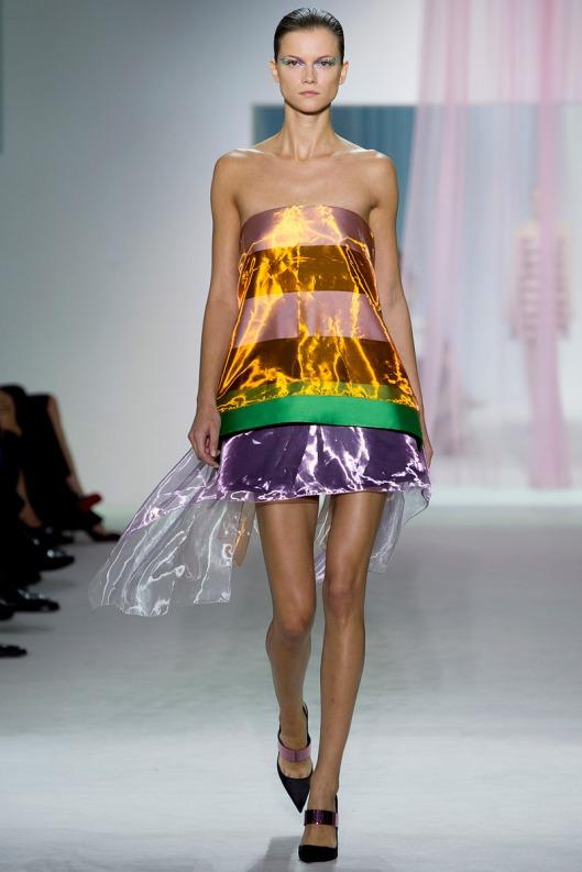 vestido a rayas de Dior